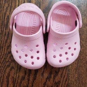 adorable light pink crocs